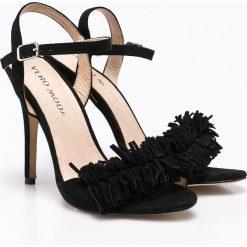 Vero Moda - Sandały. Białe sandały damskie marki Vero Moda, z materiału, na obcasie. W wyprzedaży za 119,90 zł.