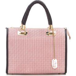 Torebki klasyczne damskie: Skórzana torebka w kolorze jasnoróżowym – 30 x 26 x 17 cm