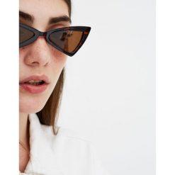 Rogowe okulary przeciwsłoneczne cat eye. Brązowe okulary przeciwsłoneczne damskie lenonki Pull&Bear. Za 49,90 zł.