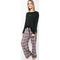 Dkny - Bluzka piżamowa. Czarne bluzki z odkrytymi ramionami marki DKNY, s, z nadrukiem, z dzianiny, z okrągłym kołnierzem. W wyprzedaży za 159,90 zł.