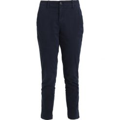 Chinosy damskie: GAP GIRLFRIEND SOLID Chinosy true indigo