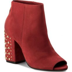 Botki CARINII - B4351  L87-000-000-C00. Czerwone botki damskie skórzane marki Carinii. W wyprzedaży za 259,00 zł.