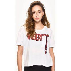 T-shirty damskie: Luźny t-shirt – Biały