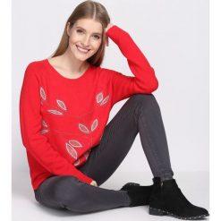 Czerwony Sweter My Melody. Czerwone swetry klasyczne damskie Born2be, na jesień, l. Za 89,99 zł.