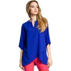 SARITA Zwiewna bluzka z warstwami nachodzącymi na siebie - chabrowa. Niebieskie bluzki asymetryczne Moe, z tkaniny, z asymetrycznym kołnierzem. Za 109,99 zł.