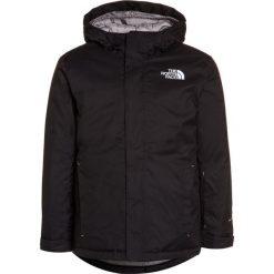 The North Face SNOWQUEST Kurtka snowboardowa black. Czarne kurtki chłopięce marki The North Face, z materiału, narciarskie. W wyprzedaży za 303,20 zł.