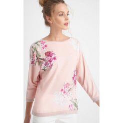 Swetry klasyczne damskie: Sweter z motywem kwiatowym