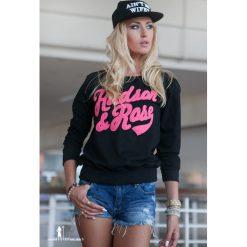 Bluzy damskie: Bluza z naszywką czarna