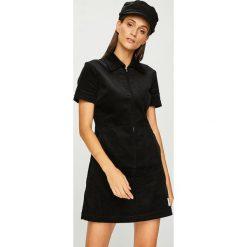 Calvin Klein Jeans - Sukienka. Szare sukienki dzianinowe Calvin Klein Jeans, na co dzień, l, casualowe, z krótkim rękawem, mini, proste. Za 499,90 zł.