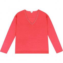 Sweter kaszmirowy w kolorze koralowym. Czerwone swetry klasyczne damskie marki Ateliers de la Maille, z kaszmiru. W wyprzedaży za 409,95 zł.