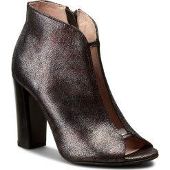 Botki EKSBUT - 67-4339-H92/00F-1G Czarny/Bordo. Czarne buty zimowe damskie Eksbut, z nubiku, na obcasie. W wyprzedaży za 209,00 zł.