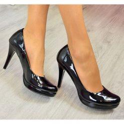 Buty ślubne damskie: Czarne lakierowane czółenka szpilki na platformie Monique