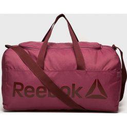 Reebok - Torba. Czerwone torebki klasyczne damskie Reebok, w paski, z materiału. Za 119,90 zł.