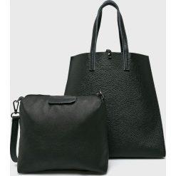 Answear - Torebka skórzana. Czarne torebki klasyczne damskie ANSWEAR, w paski, z materiału, duże. Za 289,90 zł.