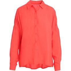 Czerwona Koszula Kyoto. Czerwone koszule damskie Born2be, l. Za 69,99 zł.