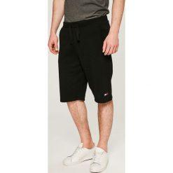 Tommy Jeans - Szorty. Szare spodenki jeansowe męskie marki Tommy Jeans, casualowe. W wyprzedaży za 219,90 zł.