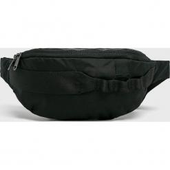 Jack Wolfskin - Nerka. Czarne walizki marki Jack Wolfskin, w paski, z materiału, małe. W wyprzedaży za 99,90 zł.