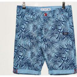 Szorty z podwiniętą nogawką - Granatowy. Niebieskie szorty męskie marki Cropp. W wyprzedaży za 39,99 zł.