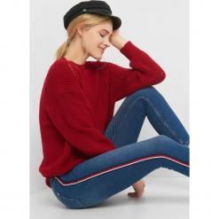 Sweter z widocznym splotem. Brązowe swetry klasyczne damskie marki Orsay, s, z dzianiny. Za 99,99 zł.