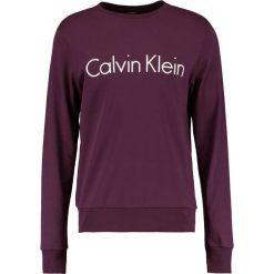 Calvin Klein KAI Bluza purple. Czerwone kardigany męskie Calvin Klein, m, z bawełny. W wyprzedaży za 359,10 zł.