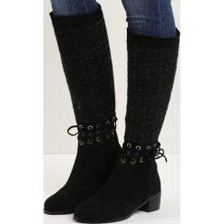 Czarne Kozaki Senior Shawl. Czarne buty zimowe damskie Born2be, z okrągłym noskiem, na niskim obcasie, na płaskiej podeszwie. Za 79,99 zł.