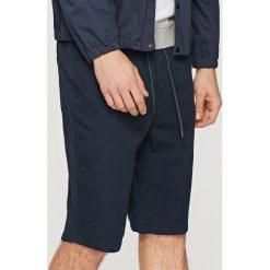 Szorty z elastyczną talią - Granatowy. Czerwone szorty męskie marki Cropp. W wyprzedaży za 59,99 zł.
