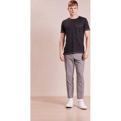 Rag & bone OWEN TEE Tshirt basic black heather. Czarne t-shirty męskie rag & bone, m, ze lnu. W wyprzedaży za 356,30 zł.