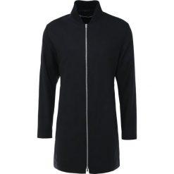 Płaszcze męskie: McQ Alexander McQueen BONDAGE COAT Krótki płaszcz darkest black
