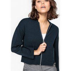 Swetry rozpinane damskie: Krótki sweter-kardigan zapinany na suwak
