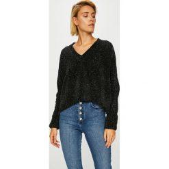 Noisy May - Sweter. Szare swetry klasyczne damskie marki Mohito, l, z asymetrycznym kołnierzem. W wyprzedaży za 99,90 zł.