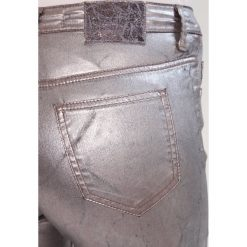 Boyfriendy damskie: MARCIANO LOS ANGELES Jeansy Slim Fit metallic silver