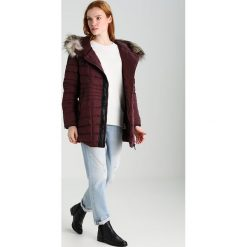 Swetry klasyczne damskie: Sisley Sweter white