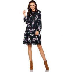 Trapezowa sukienka z nadrukami czarny w kwiatki. Brązowe sukienki koronkowe marki Lemoniade, z klasycznym kołnierzykiem. Za 199,00 zł.