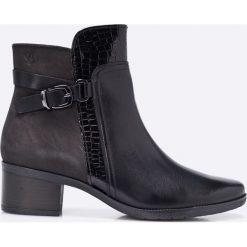 Caprice - Botki. Czarne buty zimowe damskie marki Caprice, z materiału, z okrągłym noskiem. W wyprzedaży za 219,90 zł.