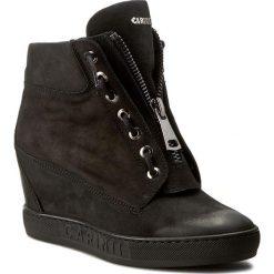 Sneakersy CARINII - B3924 360-000-000-B88. Czarne sneakersy damskie Carinii, z materiału. W wyprzedaży za 309,00 zł.