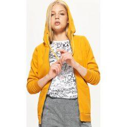 Zapinana bluza z kapturem - Żółty. Żółte bluzy z kapturem damskie marki Mohito, l, z dzianiny. Za 79,99 zł.