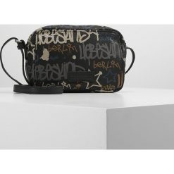 Torebki klasyczne damskie: Liebeskind Berlin PELHAM GRAFFITI Torba na ramię oil black logo graffiti