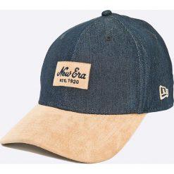 New Era - Czapka Densuede. Szare czapki z daszkiem męskie New Era. W wyprzedaży za 99,90 zł.