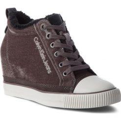 Sneakersy CALVIN KLEIN JEANS - Robina R0530  Silver. Szare sneakersy damskie marki Calvin Klein Jeans, z jeansu. W wyprzedaży za 269,00 zł.