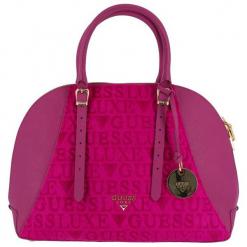 Guess Torebka Damska Różowy. Czerwone torebki klasyczne damskie marki Guess, z aplikacjami. Za 1069,00 zł.