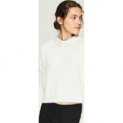 Sweter z aplikacją na kołnierzu - Kremowy. Białe swetry klasyczne damskie marki Sinsay, l. Za 79,99 zł.