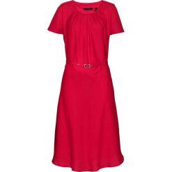 Sukienka bonprix czerwony. Czerwone sukienki balowe bonprix, w paski, z okrągłym kołnierzem, rozkloszowane. Za 129,99 zł.