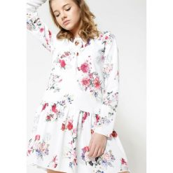 Sukienki: Biało-Bordowa Sukienka Baylor