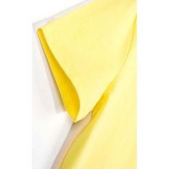 Coccodrillo - T-shirt dziecięcy 104-146 cm. Żółte t-shirty chłopięce COCCODRILLO, z aplikacjami, z bawełny, z okrągłym kołnierzem. Za 29,90 zł.