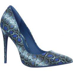 Niebieskie czółenka szpilki skóra węża Casu 5143-11. Niebieskie czółenka marki Mohito. Za 79,99 zł.