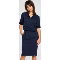 Sukienka sportowa podwijane rękawy bee-056. Niebieskie sukienki balowe BEE, do pracy, s, z dresówki, sportowe. Za 139,90 zł.