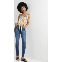 Lee 90S SCARLETT Jeans Skinny Fit blue drop. Niebieskie jeansy damskie relaxed fit Lee, z bawełny. Za 419,00 zł.