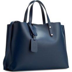 Torebka CREOLE - K10220 Granat. Niebieskie torebki klasyczne damskie Creole, ze skóry. W wyprzedaży za 219,00 zł.