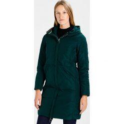 Bench Płaszcz puchowy dark green. Zielone płaszcze damskie puchowe Bench, xs, z materiału. W wyprzedaży za 422,95 zł.