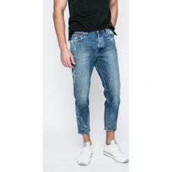Tommy Jeans - Jeansy Randy. Niebieskie jeansy męskie regular Tommy Jeans. W wyprzedaży za 339,90 zł.